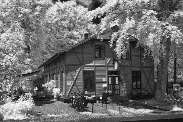Schweizer Haus (II)