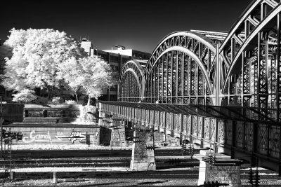 Hackerbrücke (V)